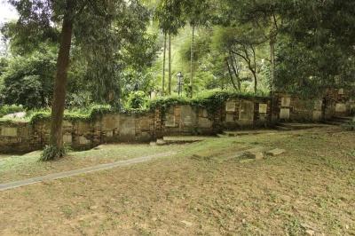 wall of tombstones 03