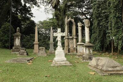 wall of tombstones 04
