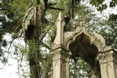 wall of tombstones 06