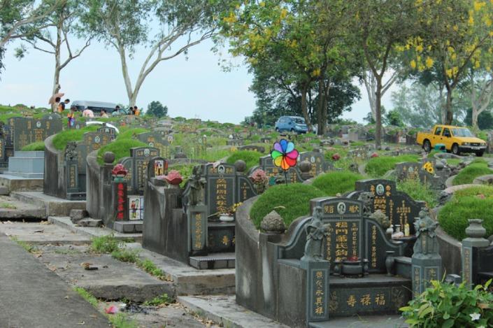 choa chu kang cemetery 03