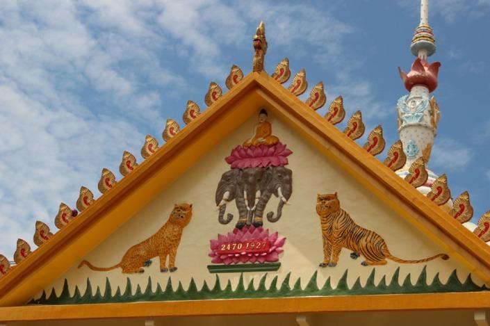 1000 lights  temple 07